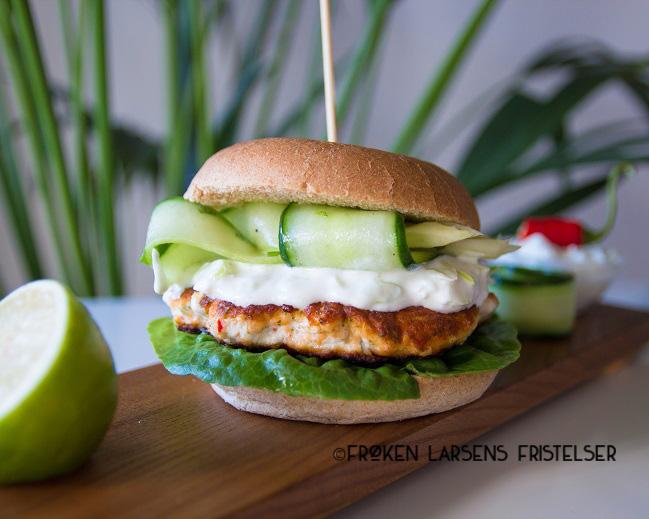 Asiatisk lakseburger med vårløkdressing-8 - CFLF