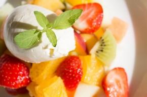 Fruktsalat med limekrem