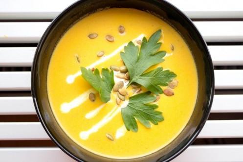 Gresskar og gulrot suppe med ingefær