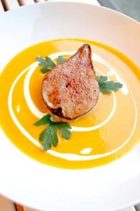 Gresskarsuppe med kanelbakt pære