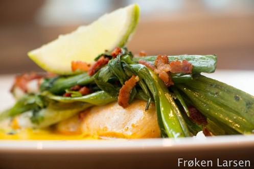 Limekylling med stekt vårløk og maissaus