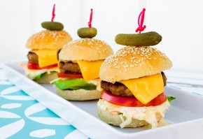 Mini burgere (sliders) med coleslow