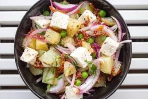 Potetsalat med fetaost og rødløk