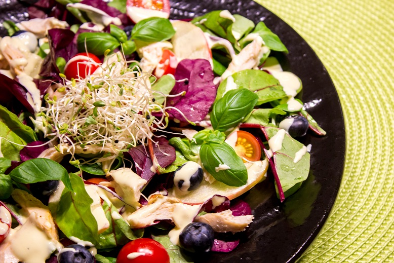 Salat med kylling og blåbær FLF