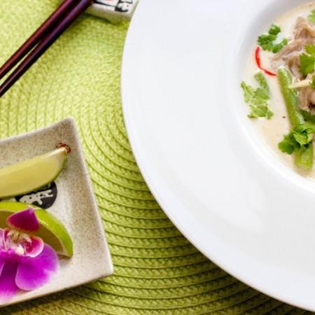 Tom Kha Gai med kylling og aspargesbønner